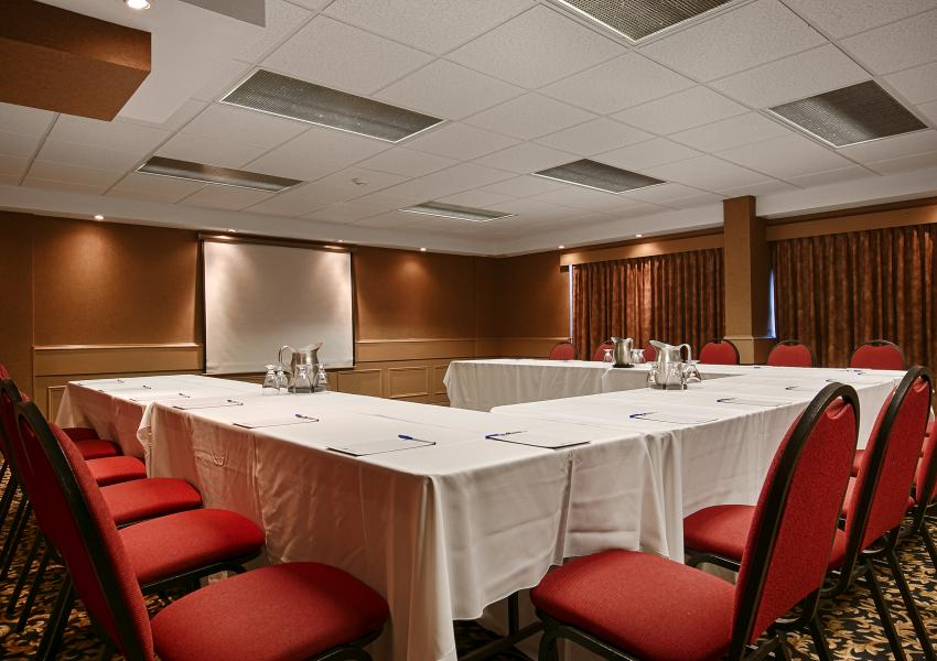 Pelham Boardroom - Book this meeting room in St. Catharines